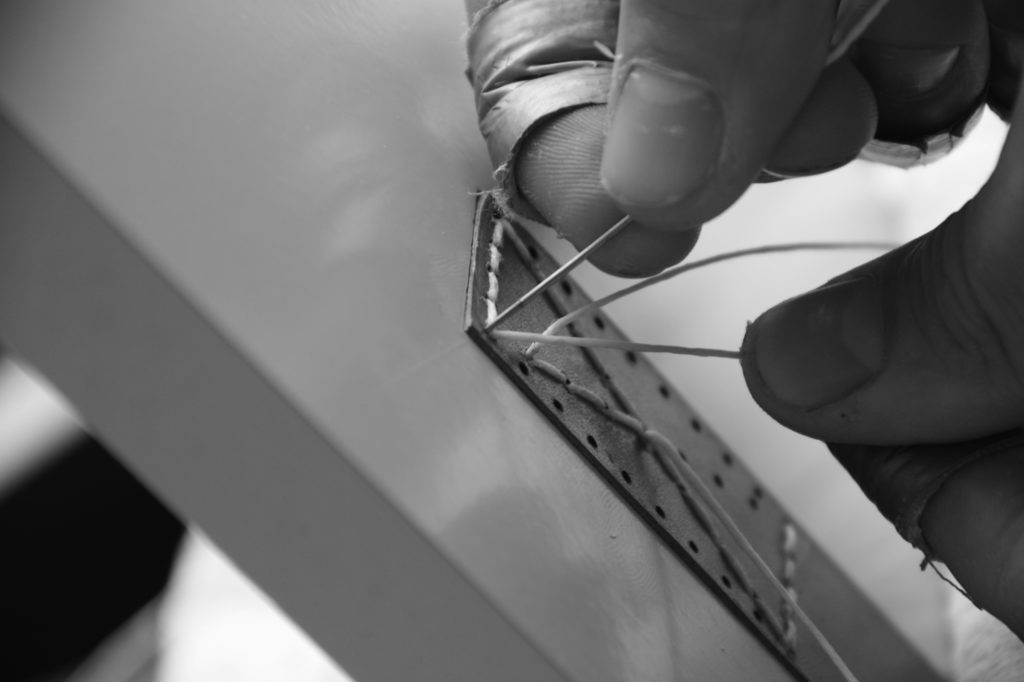 stitch-leder-handvat-stikken