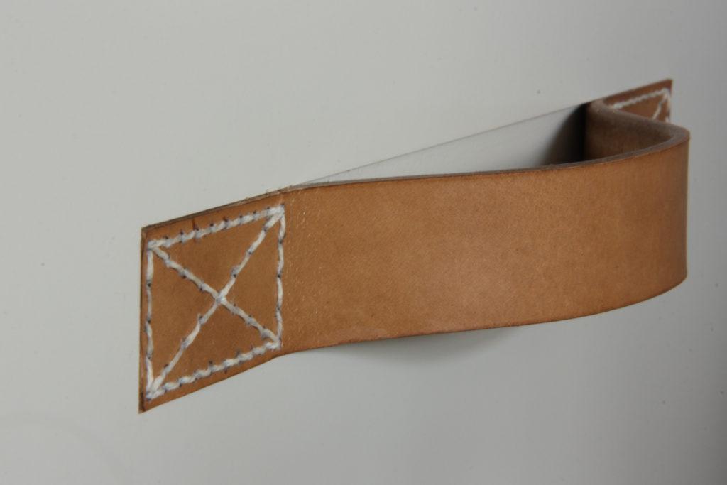 stitch-leren-handvat-lade
