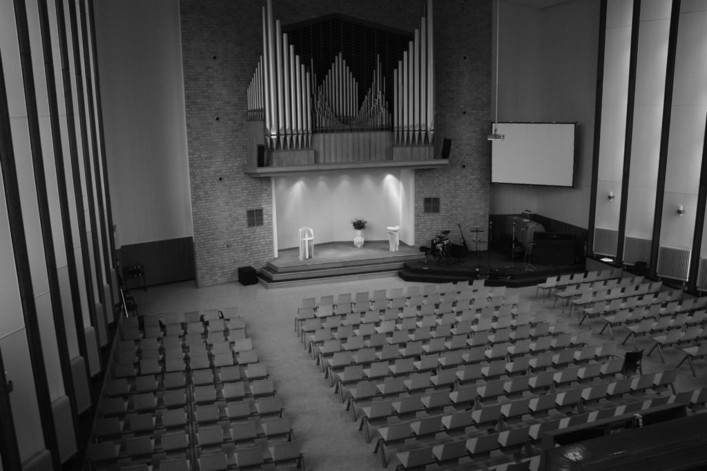 kerkzaal opstandingskerk